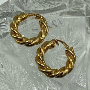 Vintage designer gold chunky hoops ring rope twist